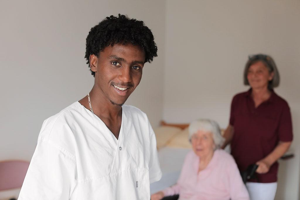 proud to care: Pflege bietet viele Möglichkeiten